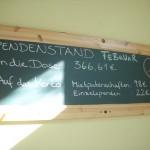 Tafel mit den Spenden vom Februar